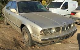 BMW E34 (1988-1990) 520i 12V 206K BONTOTT ALKATRÉSZEK