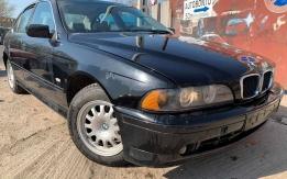 BMW E39 (1995-2004) 520D 204D1 BONTOTT ALKATRÉSZEK