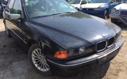 BMW E39 (2000) 523i 24V