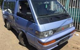 MITSUBISHI L300 II (1987-1998) 2.0i 4G